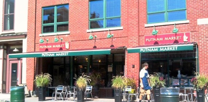 2 Retractable Awnings at Putnam Market